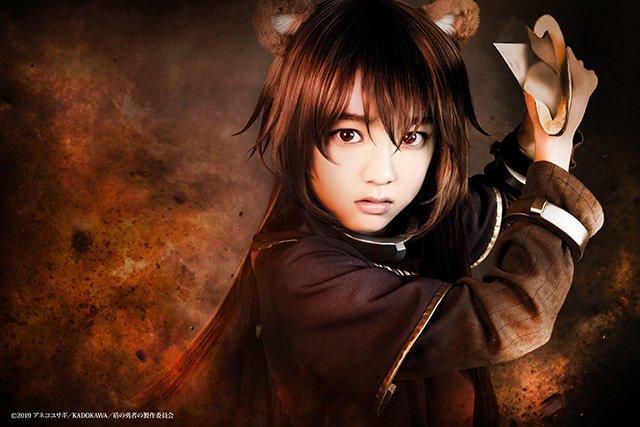 Tate no Yuusha no Nariagari revela las primeras imágenes de los protagonista de la obra de teatro
