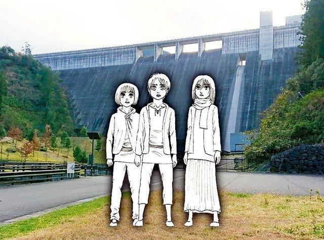 Shingeki no Kyojin nos recuerda la caída de la muralla María con unas estatuas de Mikasa, Eren y Armin